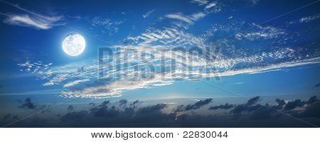 Panorama do céu de noite