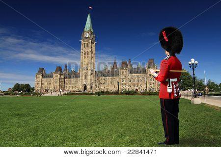 Giuard At Parliament Hill