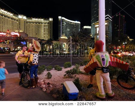 People Dressed In Pixar Costumes Get Talked To By The Police On The Las Vegas Strip