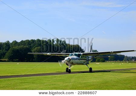 Small turboprop plane