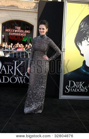 """LOS ANGELES - MAY 7:  Eva Green arrives at the """"Dark Shadows"""" - Los Angeles Premiere at Graumans Chinese Theater on May 7, 2012 in Los Angeles, CA"""