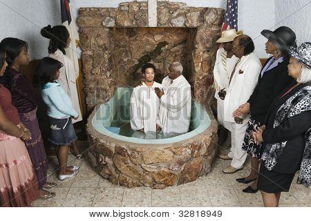 Erwachsenentaufe in der Kirche