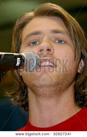 Brian McFadden- Singing