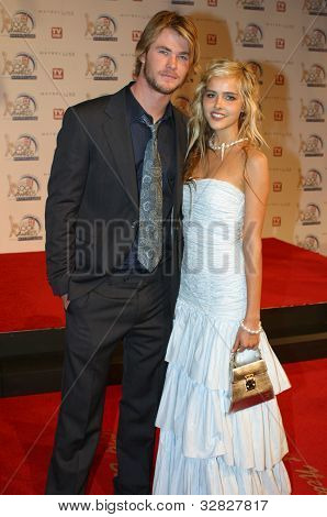 Chris Hemsworth and Isabel Lucas