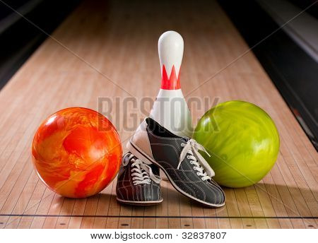 Balls, pins and shoes