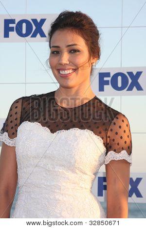 LOS ANGELES - 5 de AUG: Michaela Conlin arribando a la fiesta de FOX TCA verano 2011 en Gladstones Aug