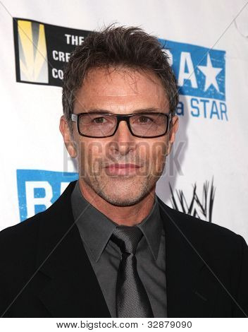 Los Angeles Apr 29: Tim Daly kommt zu dem Anti Mobbing Allianz Start am 29. April 2010 in w