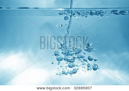 An image of a nice water bubbles background