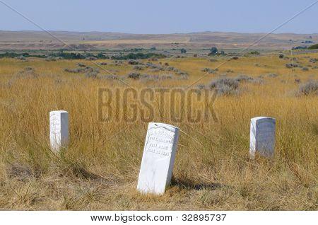 Little Bighorn soldier grave stones