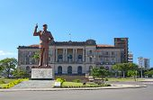 pic of communist symbol  - City hall and statue of Michel Samora in Maputo - JPG