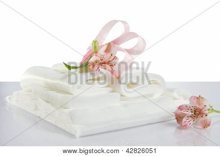 Spa Accessories: Sheet, Towels And Napkins