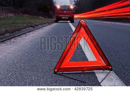 Desglosado de la transitada carretera del vehículo
