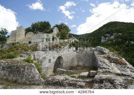 Le Fort De Buoux