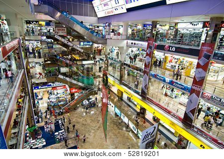 Inside The Pantip Plaza, The Biggest Electronic And Software Shopping Complex In Thailand