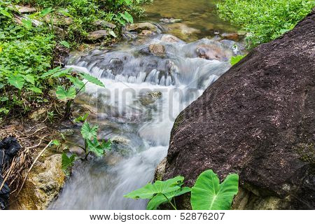 Cataract In Hauykeaw Waterfall , Doi Suthep-pui Nationnal Park , Chaingmai Thaland