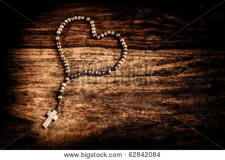 Simple Cross Heart Shape - Dramatic Vignette