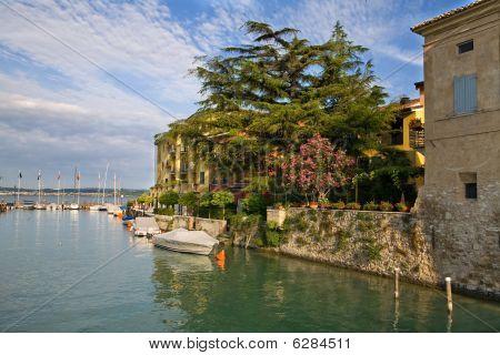 Sirmione port