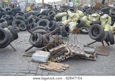 KIEV, UKRAINE - APR 7, 2014: Downtown of Kiev.Barricades.Riot in Kiev and Western Ukraine.April 7, 2014 Kiev, Ukraine