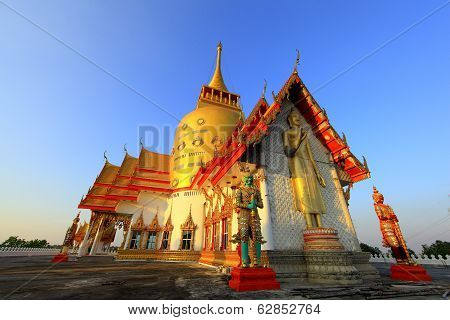 Wat Prong Arkard at Bangnamprieo