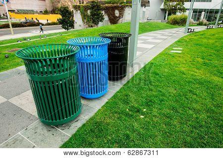 Trashes