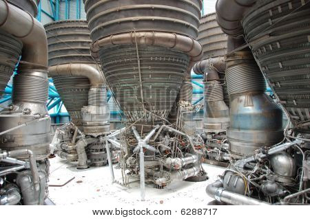 Saturn V – Engines
