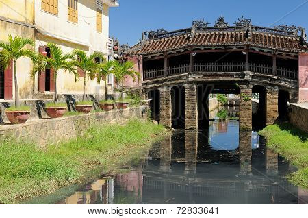 Japanese Covered Brigde In Hoi An