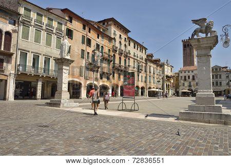 Plaza In Bassano