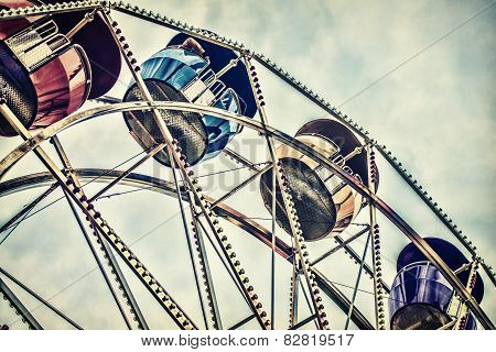Retro Ferris Wheel Ride