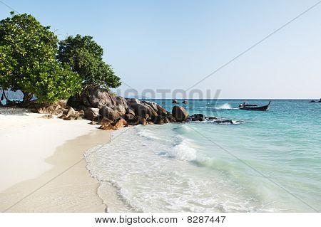 Pequeña playa de remoto