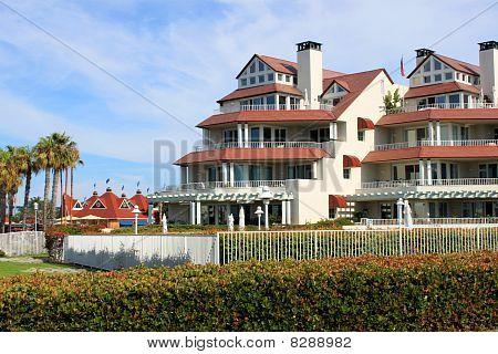 Beanch Front Luxury Apartments In Coronado