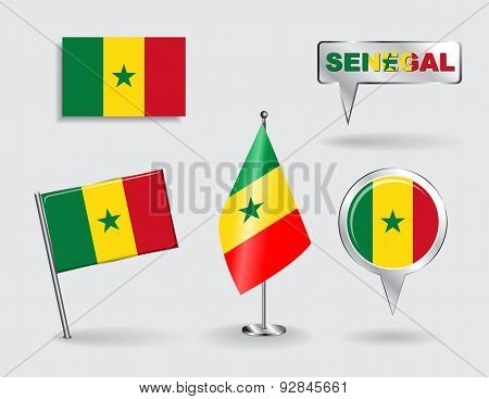 Set of Senegalese pin, icon and map pointer flags. Vector