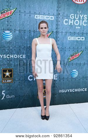 LOS ANGELES - JUN 6:  Zoey Deutch at the Guys Choice Awards 2015 at the Culver City on June 6, 2015 in Sony Studios, CA