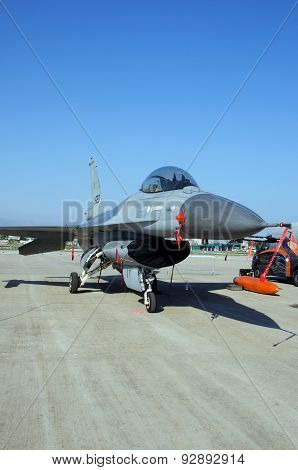 General Dynamics F-16 Fighting Falcon.