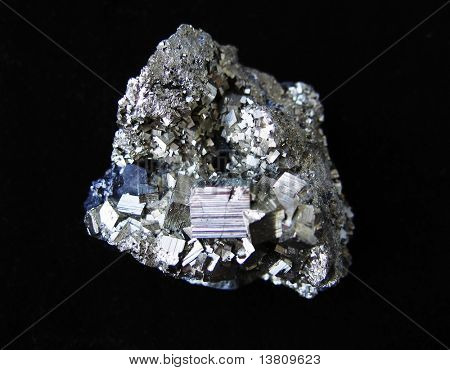 Grey cristal pirit