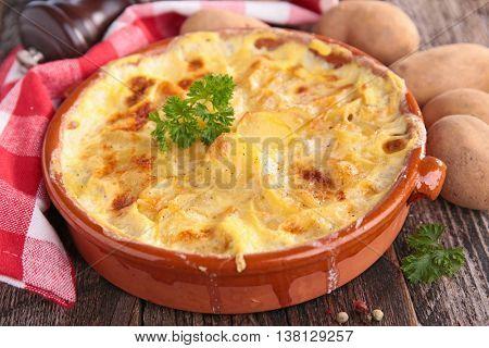 potato gratin with cheese and cream