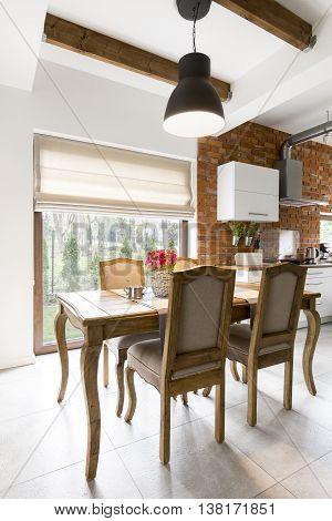 Elegant Residence With Stylish Furniture