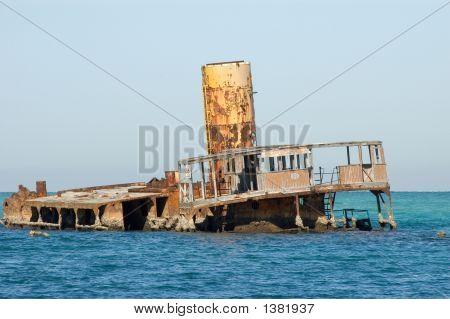 Tugboat Stranded