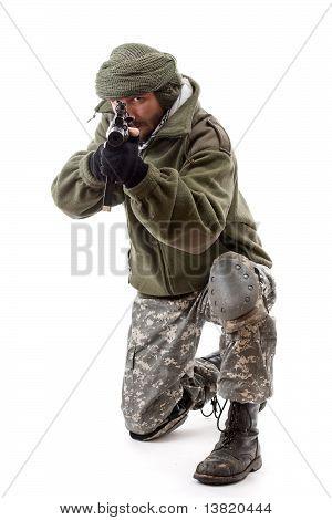 Terrorist zeigen Gun