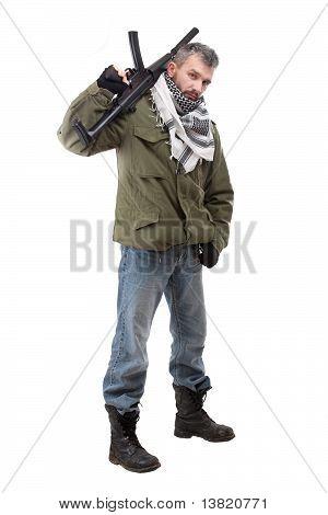 Terroristen mit Gewehr