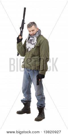 Terrorist mit Waffe