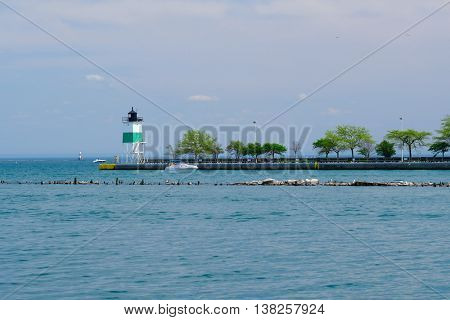Chicago Harbor Southeast Guidewall Lighthouse, Lake Michigan, Chicago, IL, USA