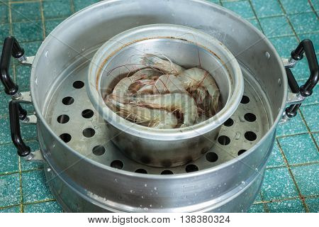 Shrimp In Pot For Preparing Cooking , Baked Shrimp Salt Thai Food.