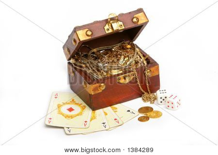 Wooden chest filled with gold
