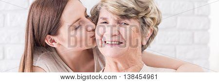 Kiss Foe The Best Grandmother