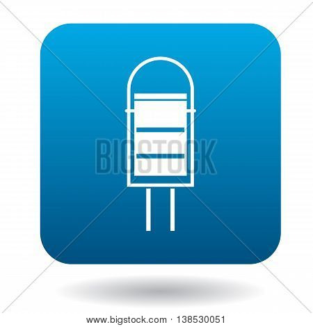 Outdoor bin icon in simple style on a white background