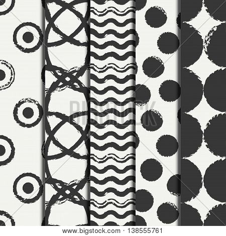 Set of hand drawn seamless pattern with grunge rings, circle. Wrapping paper. Abstract vector background. Brush strokes rings. Casual texture. Doodle. Dry brush. Rough edges ink illustration.