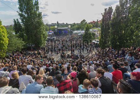 Many People In Crowded Park (mauerpark) At  Fete De La Musique