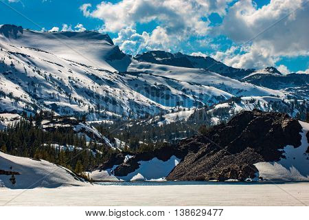 Ellery Lake Near Tioga Pass California Usa