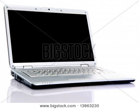 modernen Laptop isolated on White mit Reflexionen über Glastisch.
