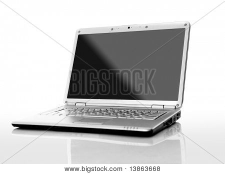 Moderne Laptop isolated on White mit Reflexionen auf Glastisch.
